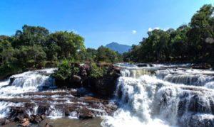 1er FEVRIER : Champasak  Visite de Bolaven, incluant la cascade de Tad Fan. Continuation vers Pakxong et Jhai Coffee House. Promenade dans les villages: Ban Bong Neua, d'Alak, Ban Kokphung, Katu. Visite la cascade de Tadlo.